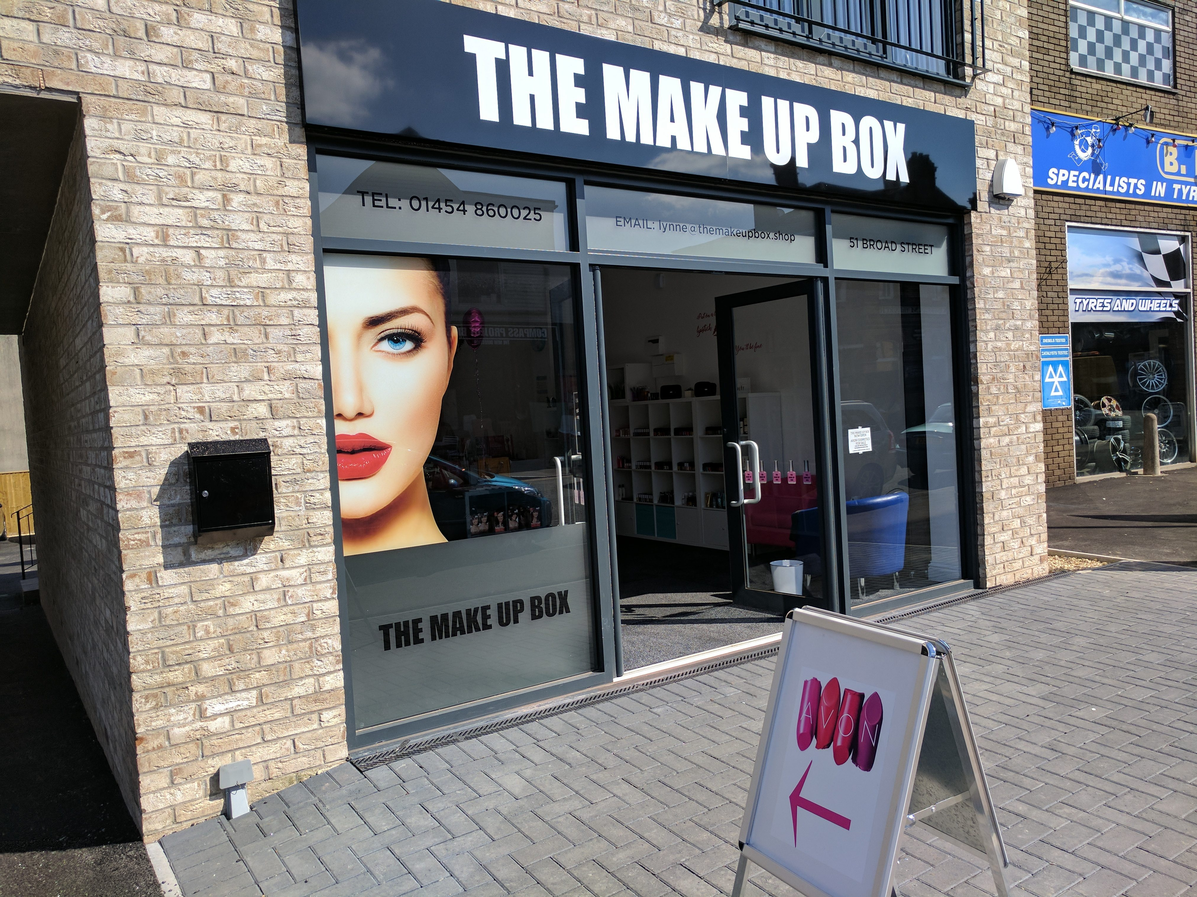 The Make Up Box - Avon Products Instore